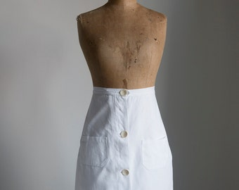 1930s White cotton twill sports skirt