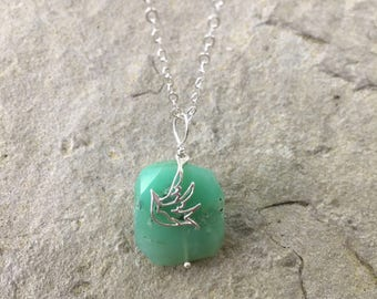 Green Gemstone Necklace with Bird Charm Sweet Bird Charm Necklace with Green Gemstone Silver Necklace Silver Jewelry Bird Lover Bird Jewelry