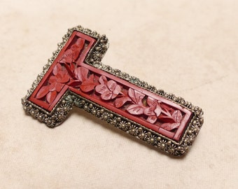 Vintage Chinese Carved Cinnabar T Pin Brooch