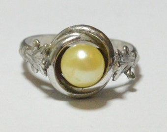 SALE Vintage Sterling Silver Genuine Pearl Antique Style Ring Size 6.25