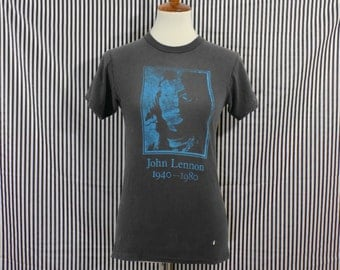 Distressed Vintage 80s John Lennon 1940-1980 Memorial T-Shirt Women's S