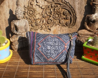 Vintage Hmong Textile Purse, Indigo Batik Textile Vintage Purse, Indigo Batik Textile, Vintage Textile Clutch, Hmong Clutch
