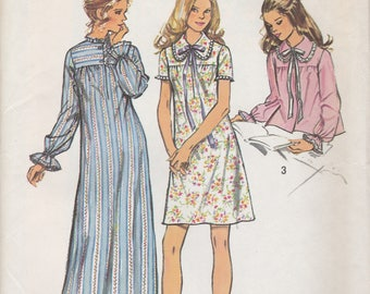 Sweet 70s Nightgown & Bed Jacket Pattern Simplicity 5083 Size Large 16/18 Uncut