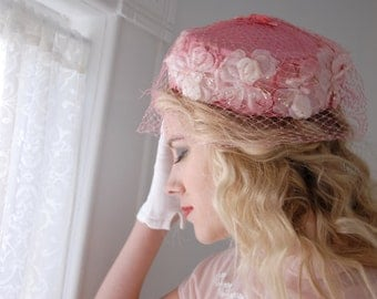 Vintage pink floral pillbox hat, flowers 1950s formal pin-up, netting veil