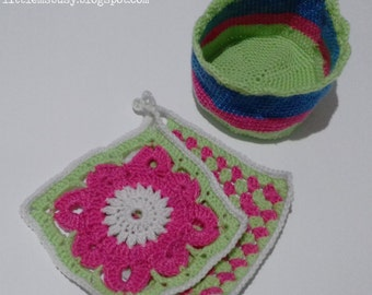 20% OFF Sale - Spring is Here 2 Pot Holders and a Matching Bread Basket