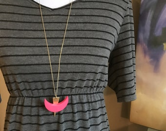 Bright pink geometric gold pendant necklace