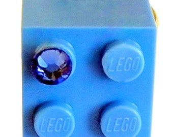 Light Blue LEGO (R) brick 2x2 with a Blue Swarovski crystal on a Silver/Gold plated adjustable ring finding