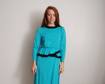 80s small blue and black polyester womens long sleeve office work dress with ruffled waist midi knee high womens vintage clothing