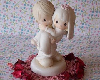 Precious Moments Wedding Cake Topper Figurine Bride and Groom 1982 Porcelain