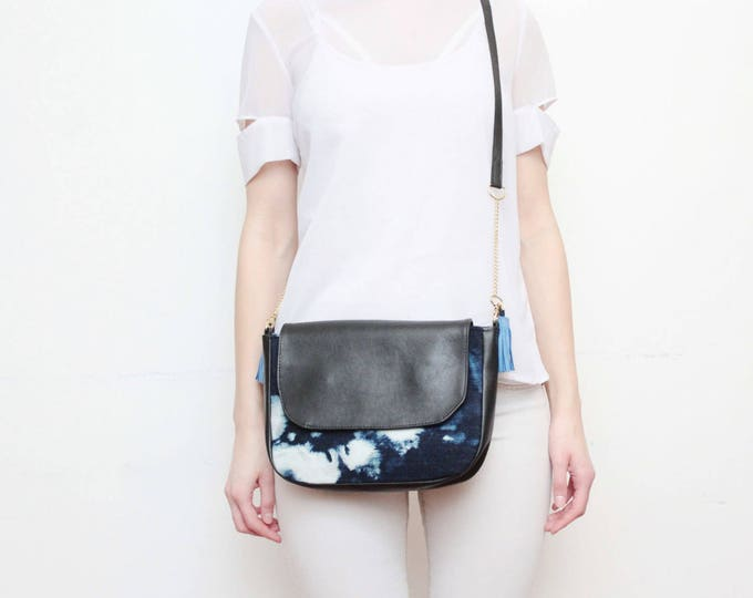 CLASSIC SADDLE 3 / Vegan leather purse-natural leather bag-black leather cross body-dyed blue and white tie dyed handcolored-shoulder bag