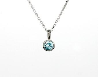 Aquamarine bezel pendant made from 18k white gold, aquamarine necklace, unique jewelry, something blue, gift, simple necklace, light blue