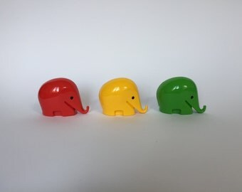 Vintage Set of 3 Colani Style Elephant Piggy Banks. Space Age. Green. Red. Yellow. 1960s. German. Piggy Bank. Drumbo. Germany. 2017_013