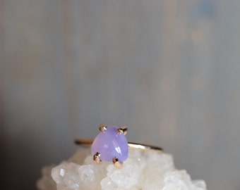 Holley Blue Agate Gold Fill Ring. Trillion Cab Rare Stone. Gold Fill Prong Ring. Holley Agate Gemstone Ring. Promise Ring for Her. Gift Idea