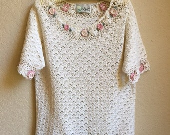 Crochet Sweater With Pink And White Roses