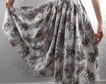 VINTAGE FLORAL SKIRT 1950's White Brown Print Mayfair Size Small