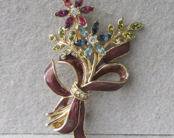 Pretty Vintage Monet Rhinestone & Enamel Flower Bouquet Pin