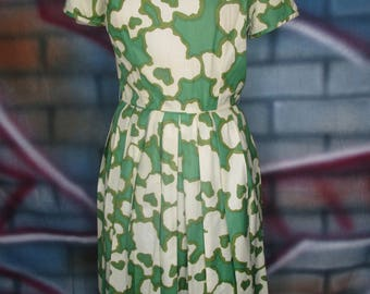 Ladies Vintage 50's Green and Beige Sundress