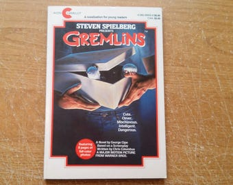 """Vintage Awesome 80s Movie Paperback, """"Gremlins"""" by George Gipe, Based on a Screenplay by Chris Columbus. Young Readers Edition, 1984."""