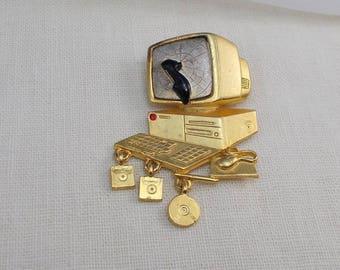 Retro Danecraft Gold and Silver Finish Desktop Computer Pin  2923
