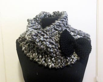 Knit bow cowl - grey/cream with black bow