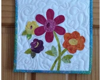Miniature Art Quilt, Handmade Quilt, Quilted Wall Hanging, Fiber Art Quilt, Contemporary Quilt, Floral Wall Art, Wall Hanging
