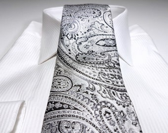 Silk Tie in Paisley with Silver and Black