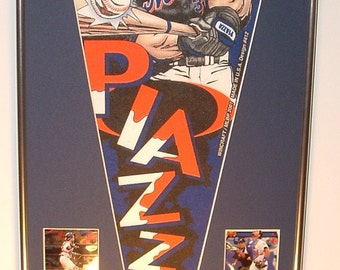 Vintage NY Mets Mike Piazza Player Pennant & Cards...Custom Framed!!!!