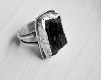 Obsidian ring - obsidian crystal silver ring - black raw stone ring - witch ring - large stone ring - obsidian wicca ring - OOAK size 7.75