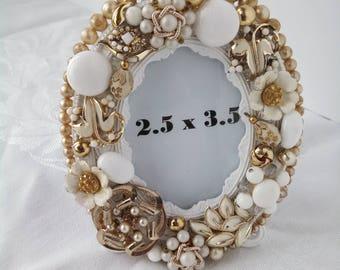 Ivory & Gold Custom 2.5 x 3.5 Oval Frame