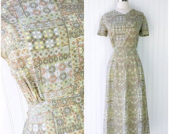 medallion tile print ethnic rayon dress / vtg 50s pinup dress / olive mint green chartreuse muted colors / metal zipper / short sleeves