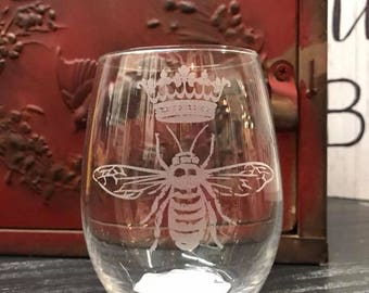 Queen Bee Wine Glass,Be Fierce Wine Glass, Raising My Tribe,Personalized  Glasses, Engraved Wine Glass,  Mom Gift