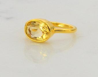 Citrine Ring - Oval Ring - Bezel set ring - November Birthstone Ring - Gemstone Ring - Stacking Ring - Gold Ring - Bridesmaid Ring