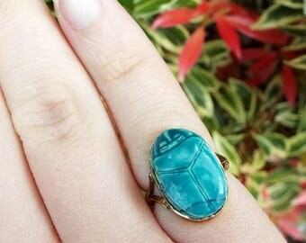 Vintage Art Deco Egyptian Revival 9ct Yellow Gold Carved Blue Scarab Ring Size I