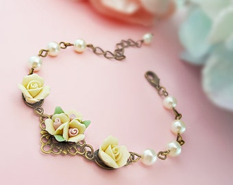 Yellow Bracelet, Cream Pearl Bracelet, Flower Girl Bracelet, Spring Wedding, Bridesmaid Gift, Yellow Wedding, Yellow Bridal Bracelet, B5007
