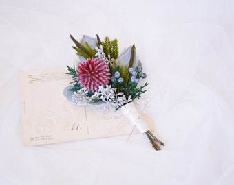 Wedding boutonniere, Buttonhole, Button hole, Lapel pin, Grooms boutonniere, Mens buttonwhole, Thistle boutonniere - CALLAHAN