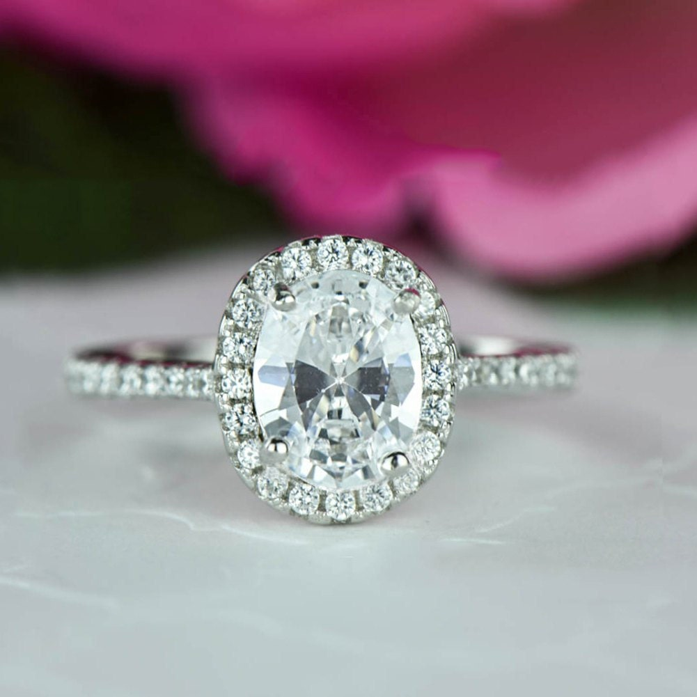 Luxury Circle Engagement Ring with Halo