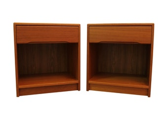 Pair of Mid Century Danish Modern Nordisk Andels Eksport Teak 1-Drawer Nightstands/End Tables