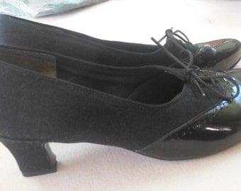 Black Patent Selby Oxford Lace Front Heels, 7 1/2 M, Vintage 1960's