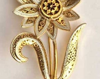 Pretty Spanish 'Damascene' Flower Pin