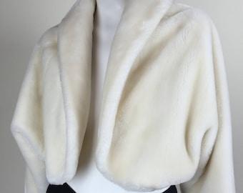creamy white plush faux fur cropped dolman sleeve jacket w/ shawl collar Borgana 50s