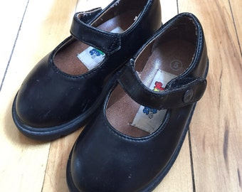 Vintage 1980s Toddler Girls Black Mary Janes Shoes! Size US 5