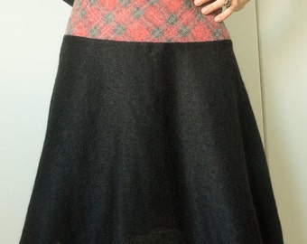 Mixed black wool skirt with checkered band