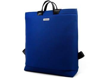 Blue laptop backpack with light inside. 2 inside pockets and 1 outside pocket. Straps made of seatbelt - Boogie L