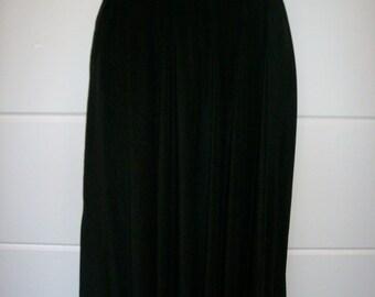80's High Waisted Black Silk Flare Midcalf Length Skirt Size 8