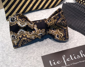 Black and gold scallop freestyle or self tie bow tie