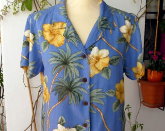 Women's hawaiian blouse, size M