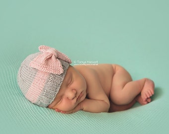 Hand Knitted Baby Hat with Bow  Photography/Photo Prop Early Baby - 12 Months Girls UK Seller Cashmerino Silk Yarn