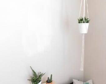 POPPY Plant Hanger // Macrame Plant Hanger / Home Decor / Modern Decor / Boho