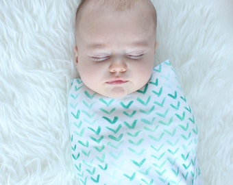 Organic Swaddle Blanket / Watercolor Arrows Swaddle and Hat / Watercolor triangles /Newborn Set