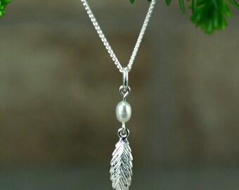 Feather necklace, silver feather necklace, silver and pearls feather necklace, feather jewelry, silver and pearls jewelry, handmade, danty
